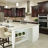 Kuchyna s ostrovcekom v bielej farbe